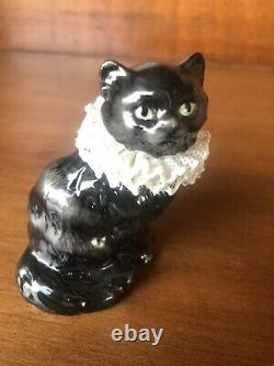 The Franklin Mint Curio Cabinet Cats Collection Porcelain Lace with Book