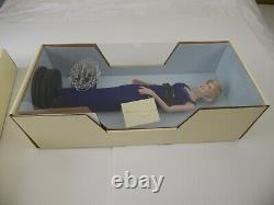 The Franklin Mint Diana Princess Of Wales Porcelain Portrait Doll In Blue Dress