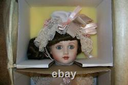 VTG RARE New in Box Franklin Mint Thuillier Antique Reproduction Collector Doll