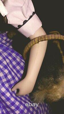 Wizard of Oz Franklin Heirloom Porcelain Dolls Collection